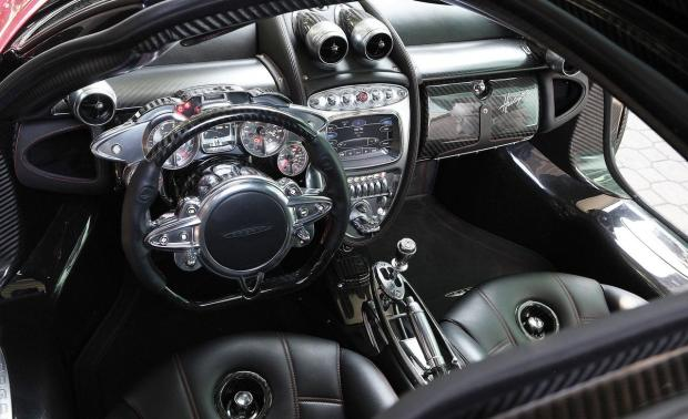 2013-pagani-huayra-interior-photo-479692-s-1280x782