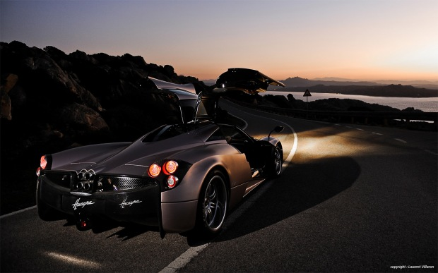Pagani-Huayra-rear-three-quarter-1