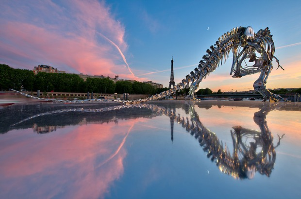full-scale-t-rex-built-near-the-seine-river-paris-designboom02